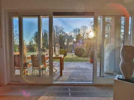 Traumhaft Wohnen - großzügige Erdgeschoss-Wohnung mit zwei Terrassen und viel Sonne