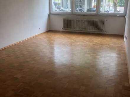 Helle, geräumige 1-Zimmer-Wohnung in Ludwigshafen