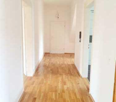 Modernisierte 3-Zimmer-Wohnung mit Einbauküche in Metzingen