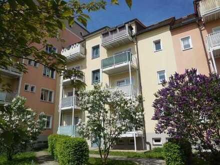 Schönes Apartement im 1. OG, Stadtrandlage, Nähe HBK, vermietet, Küche mit Fenster, Balkon