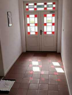 Gepflegte 2,5-Zimmer-DG-Wohnung mit EBK in Aurich