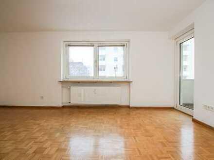 *Reserviert* Helle 2- Zimmer Wohnung mit guter Anbindung in Germering.