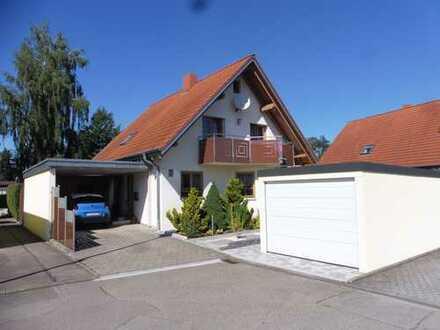Wunderschönes Einfamilienhaus mit Garage und Carport