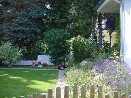 Bungalow, Nähe Schlosspark, ruhig mit großem Garten