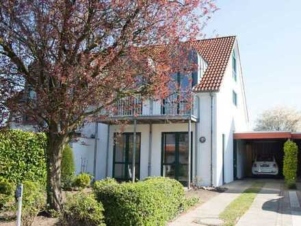 Schöne Doppelhaushälfte / vier Zimmer in Achim-Baden Ortsmitte, nahe Weser, ideal für 3. Personen