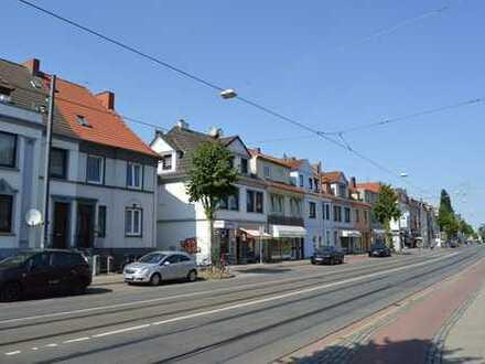 Nähe Flüsseviertel! Schöne 4 Zimmer-Maisonettewohnung mit Garten und Balkon in der Neustadt!