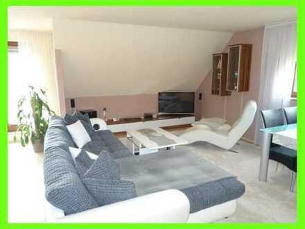 Moderne DG-Single-Wohnung mit Einbauküche und großem Südbalkon