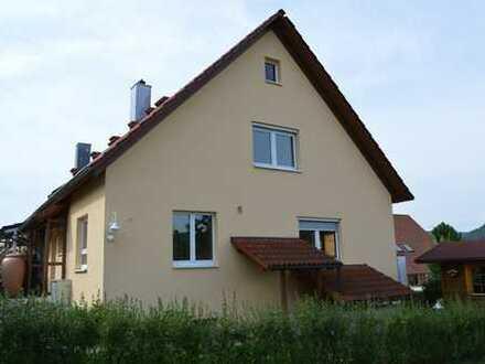 Modern möbliertes 2-Zimmer-Dachstudio in Berufstätigen WG in gepflegtem Boardinghaus in Wurmlingen
