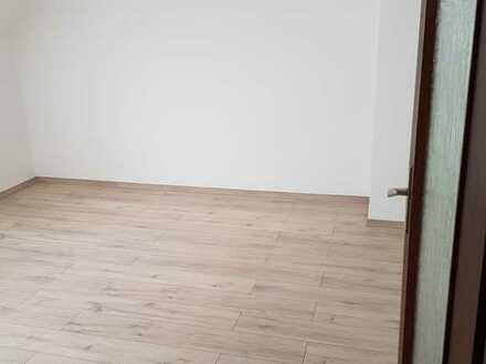 Renovierte Wohnung im 1.OG/DG