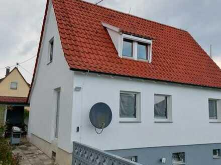 Schönes Einfamilienhaus mit vier Zimmern und EBK in Wernau (Neckar)