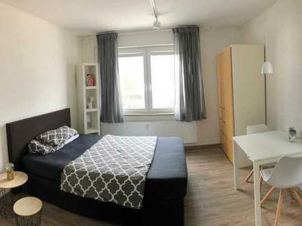 Neuwertiges, helles und möbiliertes Ein-Zimmer-Appartement