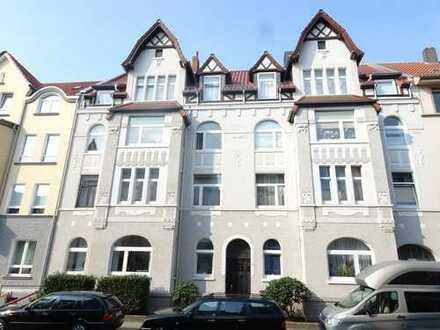 Exklusive 4-Zimmer-Wohnung in einem sehr gepflegtem Jugendstilhaus in Döhren