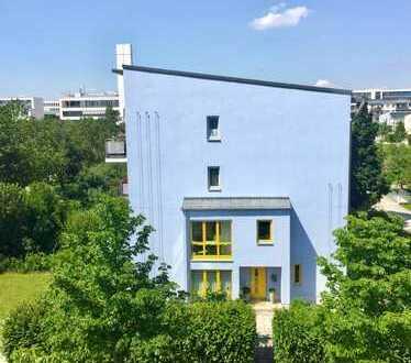 Haus im Haus mit 260m² Garten in München, Riem