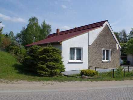 Kleines Einfamilienhaus in Alt Tellin zu verkaufen.