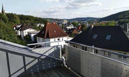 Schöne Dachgeschosswohnung in Siegen-Weidenau mit tollem Ausblick in Sonnenlage (2ZKBB)