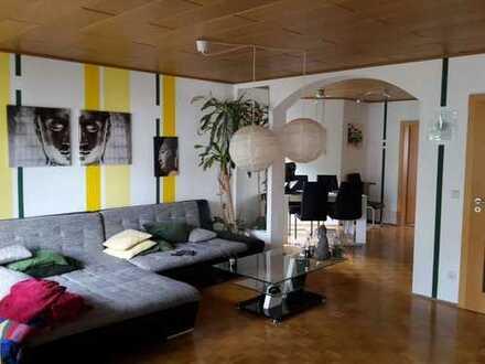 Schöne, geräumige 3,5 Zimmer Maisonette Wohnung (Eigenes Heim)