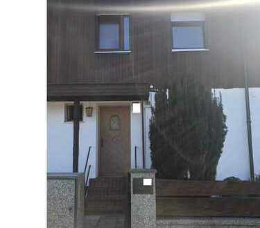 RMH in Ramersdorf - Erstvermietung nach Sanierung – 5,5 Zimmer + Garten
