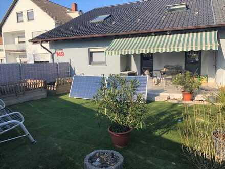 Großzügiges 1-2 Familienhaus mit Garage