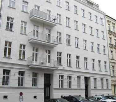 modernisierte 2 Zimmer-Altbauwohnung mit Balkon im Prenzlauer Berg