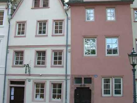 Im schönen Fachwerkhaus schöne Maisonette 1 1/2 ZKD,EBK, Mainz- Altstadt