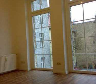 Top - helle 1-Zimmerwohnung mit moderner Einbauküche