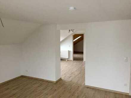 Attraktive, helle, 3-Zimmer Dachgeschoss Wohnung in ruhiger, zentraler Lage