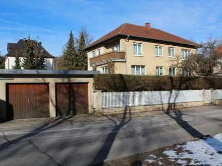 Große 2-Fam.-Villa aus den 50ern - knapp 10 Ar - markantes Entrée in die Innenstadt mit Optionen