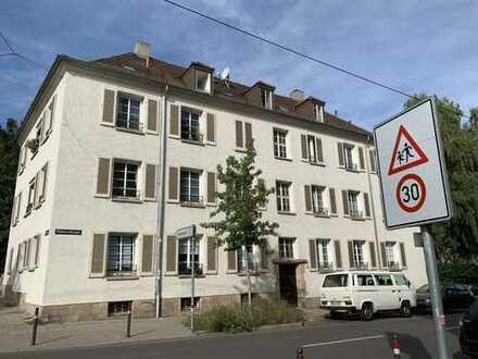 Wohnen im Herzen Stuttgarts-Charmante sehr ruhige DG Wohnung