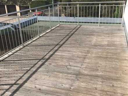 Dachgeschoss Wohlfühloase mit gigantischer Terrasse und Ausblick