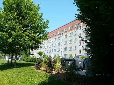Sanierte 3-Raum-Wohnung mit Balkon in ruhiger Wohnlage