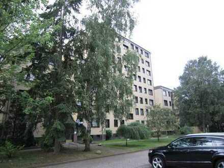 Großzügige 4 Zimmer Wohnung mit Süd-Balkon, Aufzug und neuem Bad in Garbsen zu verkaufen! Garage ...