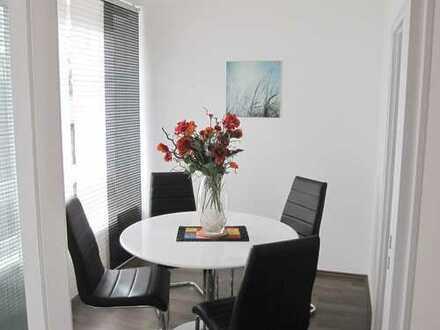 Schöne, möbilierte drei Zimmer Wohnung in Augsburg, Innenstadt