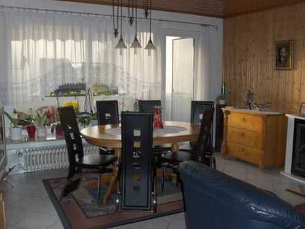 Freundliche 3-Zimmer-Wohnung mit Balkon und Einbauküche in Sinsheim