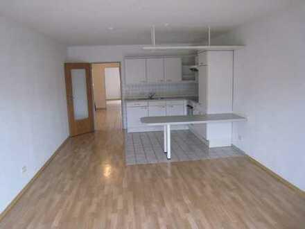 Gemütliche 2 Zimmerwohnung mit Terrasse und großem Einzel TG Stellplatz