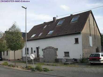 Ehemaliges Bauernhaus mit grosser Halle und Grundstück