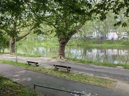 """""""Direkt an der Neckarpromenade"""" - großzügige Wohnung mit Blick auf den Neckar"""