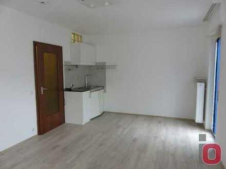 Top 1 Zimmer Apartment mit Balkon in bester Wohnlage - Nur an Pendler oder Studenten zu vermieten !