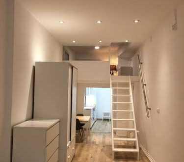 Exklusive, geräumige 1-Zimmer-EG-Wohnung Möbliert mit Einbauküche in Heidelberg Altstadt