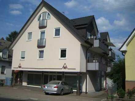 Schöne 3 Zimmer Maisonette Wohnung mit Südbalkon