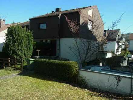 Zentrumsnahe, ruhige Doppelhaushälfte mit Garten, Stellplatz und Garage in Gerlingen