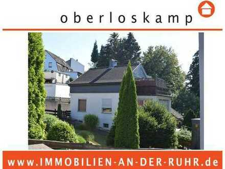 Freistehendes Einfamilienhaus in herrlicher Lage mitten im Grünzug gelegen!