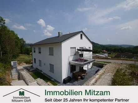 Hochwertige 3-Zimmer-Obergeschoss-Wohnung mit Garage und herrlichem Ausblick ins Altmühltal