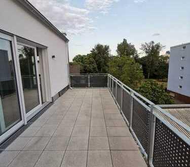 Erstbezug!! Große Penthouse-Wohnung mit Dachterrasse in ruhiger Lage nahe Messe!