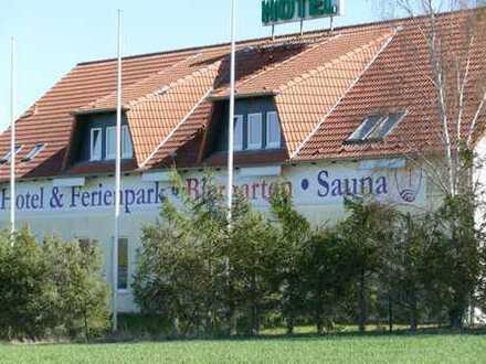 Hotel & Ferienpark in idyllischer Lage in der Urlaubsregion Mecklenburgische Seenplatte