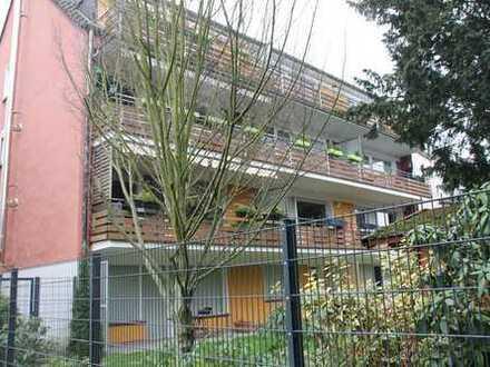 Helle 3,5-Zimmer-Wohnung mit großem Süd-West Balkon in Essen