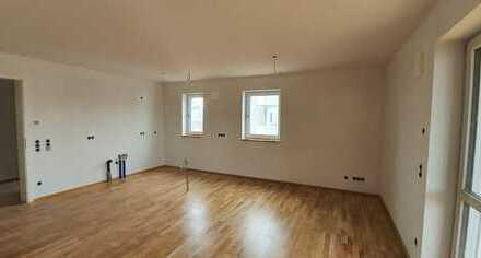 ...Erstbezug - Dachgeschoss 3-Zi.-Wohnung mit großem Süd-Balkon ...