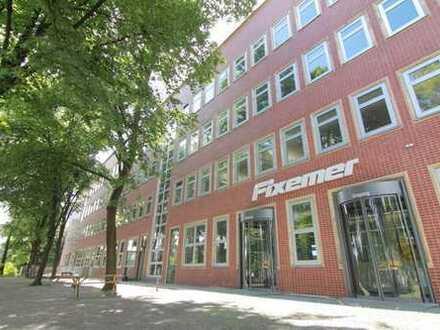 380 m² Bürofläche, bestehend aus 1 Einzelbüro / 1 Openspace mit 48 Arbeitsplätzen an der BAB 100/113
