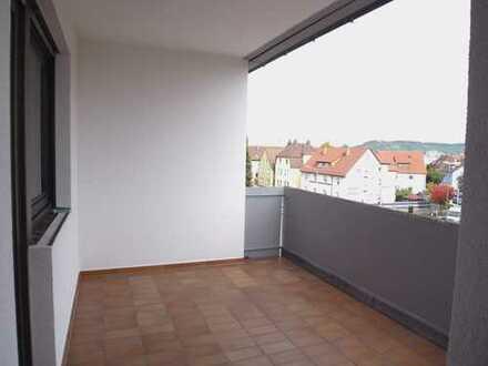 3-4-Zimmer-Wohnung mit Aufzug, Loggia und Balkon.