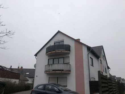 Modernisierte 2-Zimmer-Wohnung mit Balkon und Einbauküche in Speyer