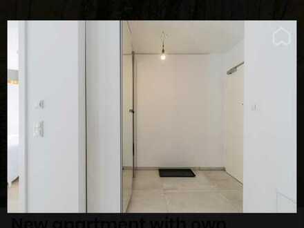 Neubauwohnung mit Einbauküche und Terrasse, ansprechende 2-Zimmer-EG-Wohnung in Lichtenberg, Berlin